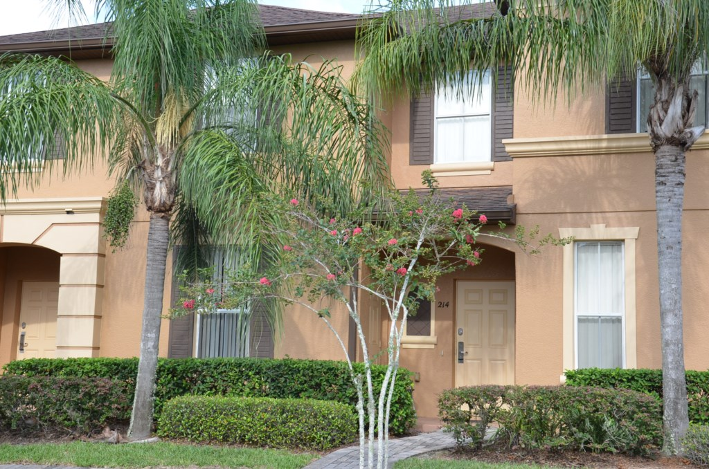 Nice 4 Bed Townhome