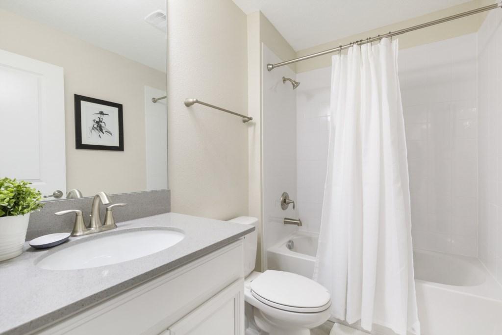 24_Bathroom_0721
