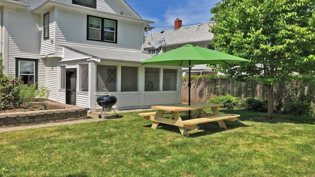 Backyard-grill.jpg