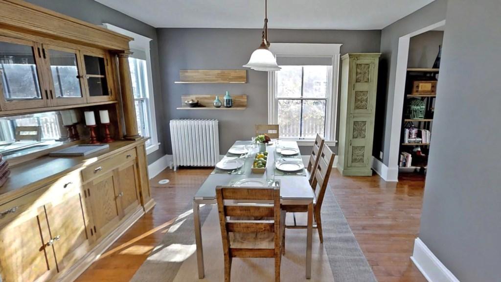 bright-diningroom.jpg