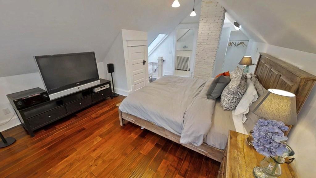 loft-master-bedroom.jpg