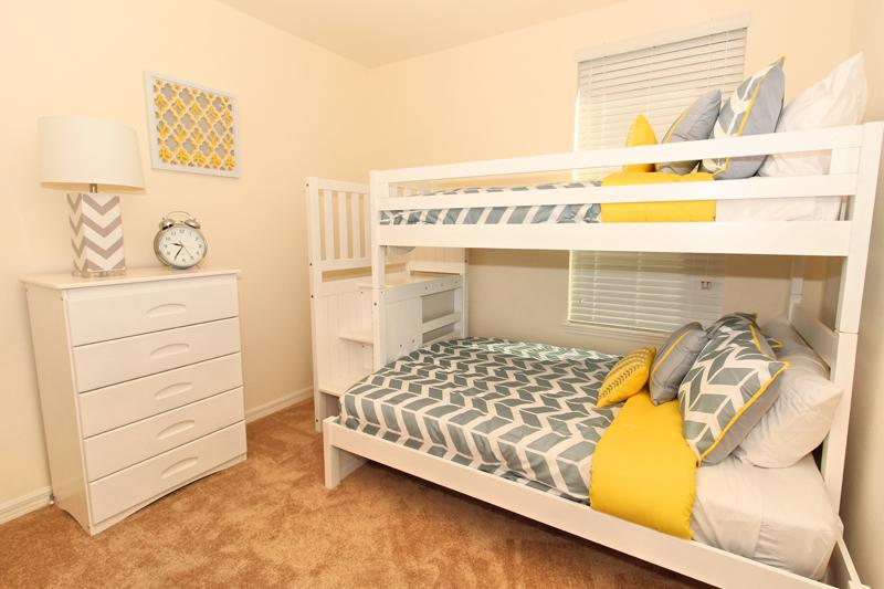 19_Bedroom_0721.jpg