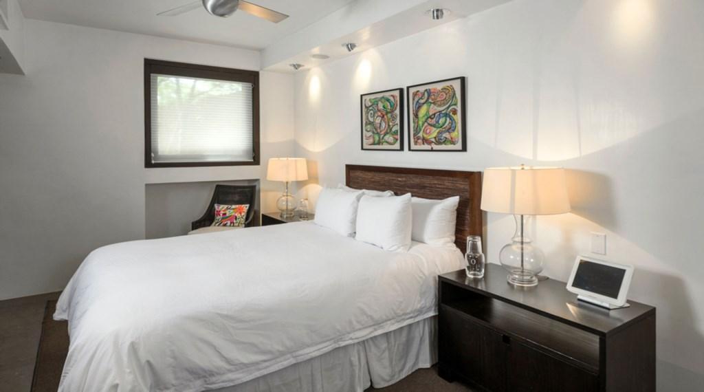 Casa-Oliver-Bedroom4.jpg