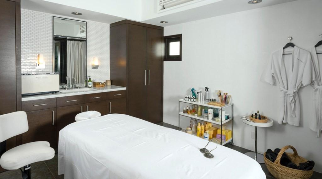 Casa-Oliver-MassageRm.jpg