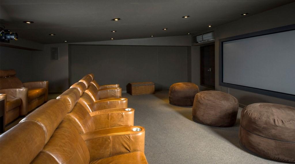 Casa-Oliver-Theatre.jpg