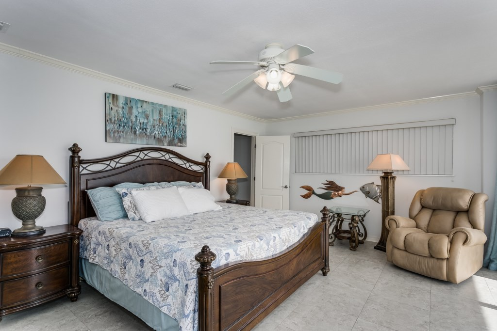 Small sitting area in master bedroom