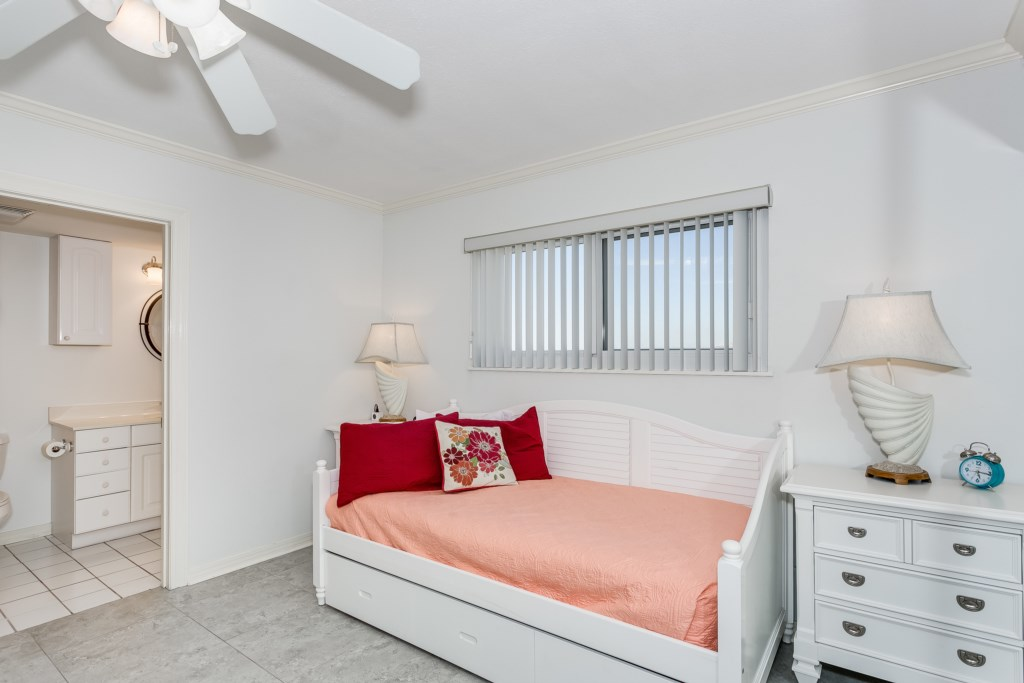 Twin trundle bed in second bedroom