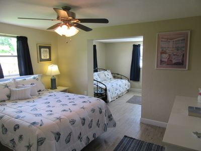 Guest Bedroom with Daybed at Sandcstle Villa