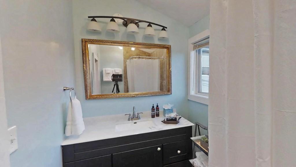 bright-bathroom.jpg