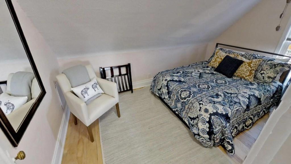 roomy-bedroom.jpg