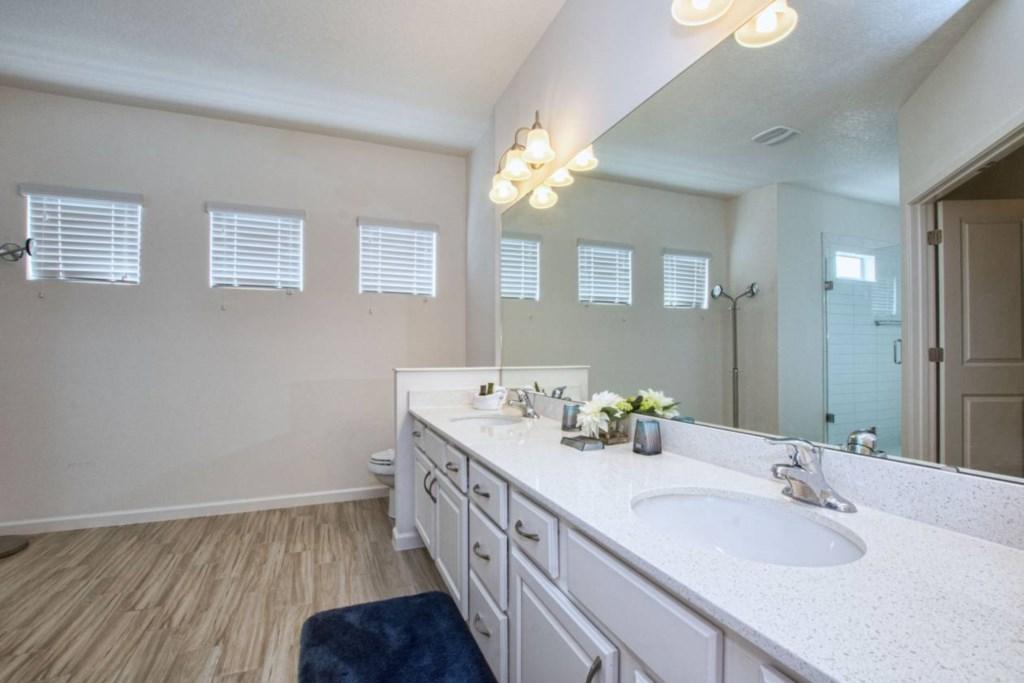 Bathroom(2).jpg