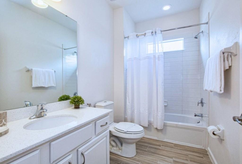 Bathroom(6).jpg