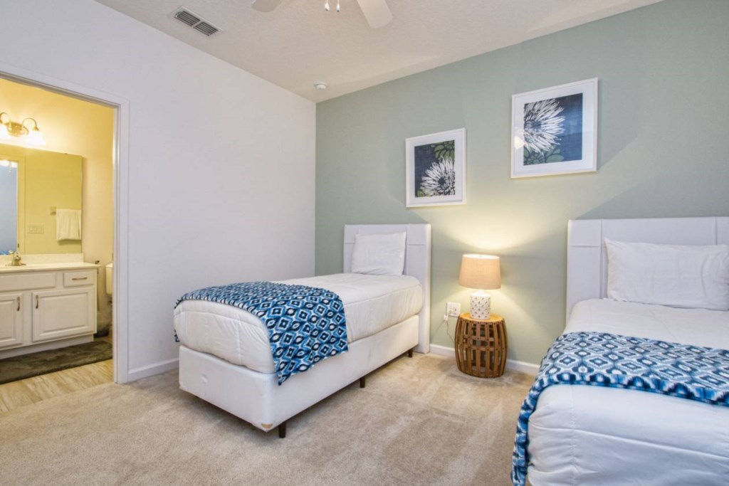 Bedroom 4(2).jpg