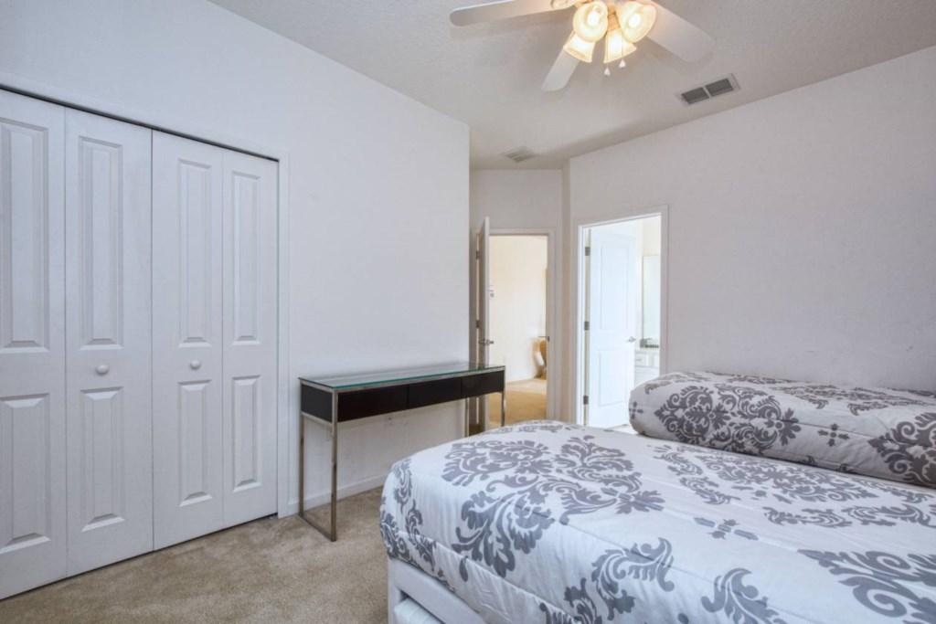 Bedroom 7(2).jpg