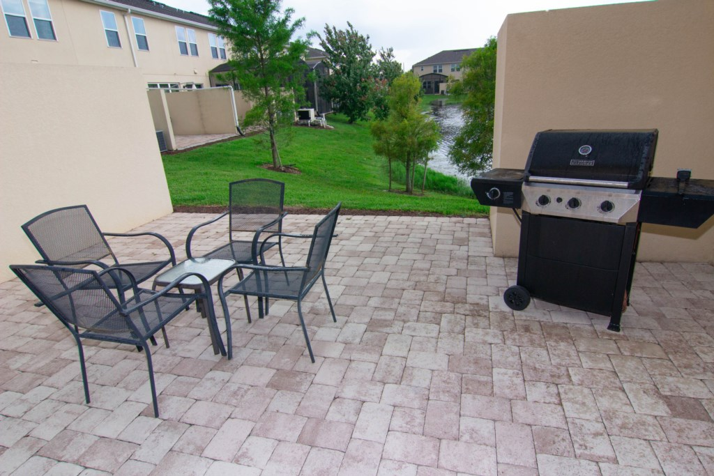 Grill and Outside Eating Areas.jpg