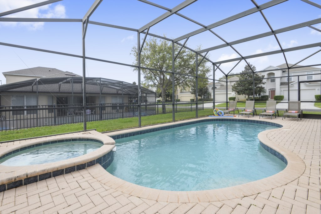 Exterior-Pool-6104446