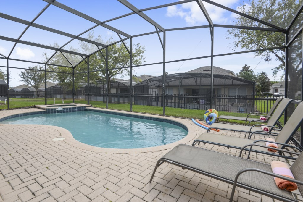 Exterior-Pool-6104447