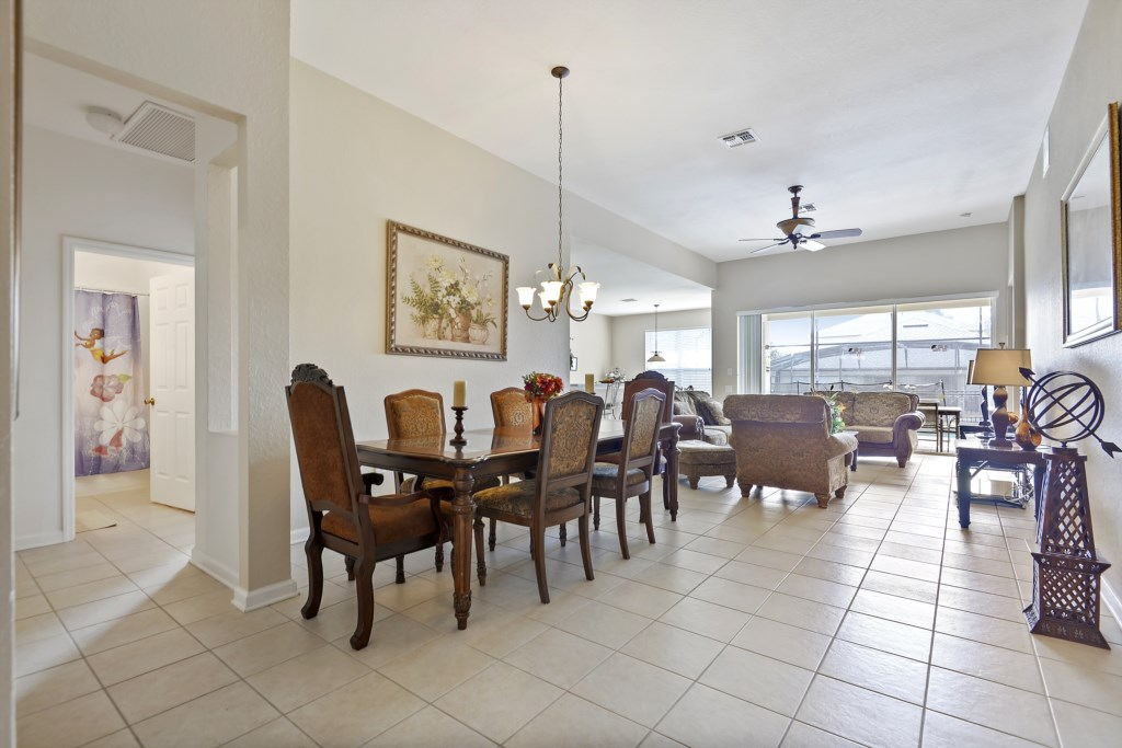 Interior-DiningRoom-6104395_Thumb