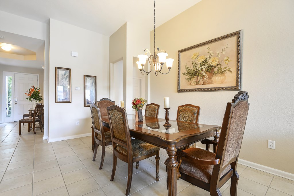 Interior-DiningRoom-6104399_Thumb
