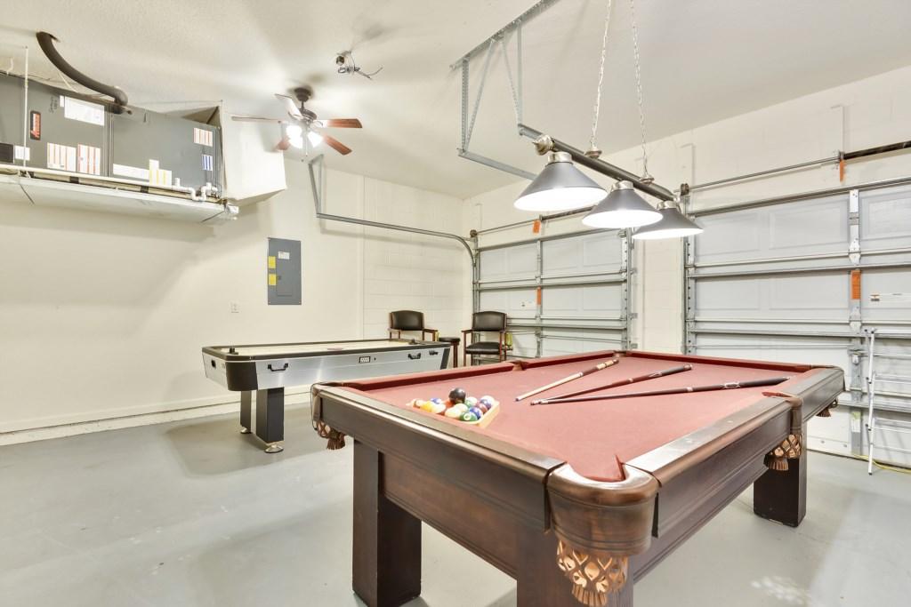 Interior-GarageGame-6104437