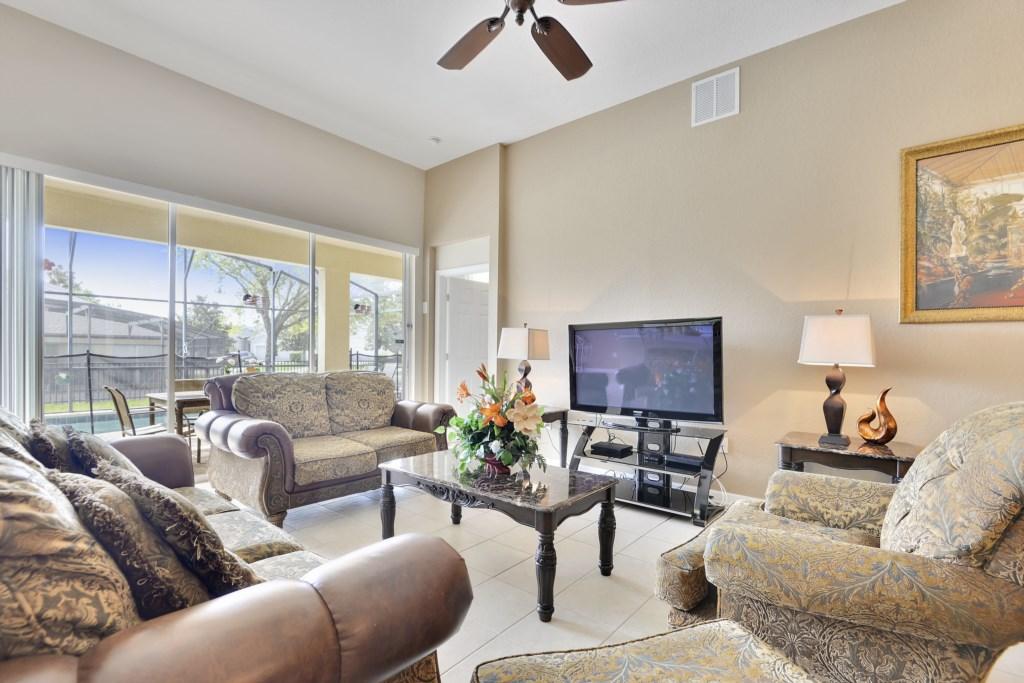 Interior-LivingRoom-6104404