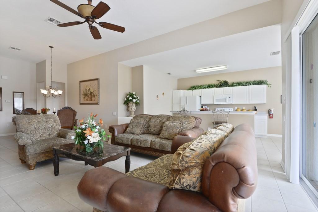 Interior-LivingRoom-6104407