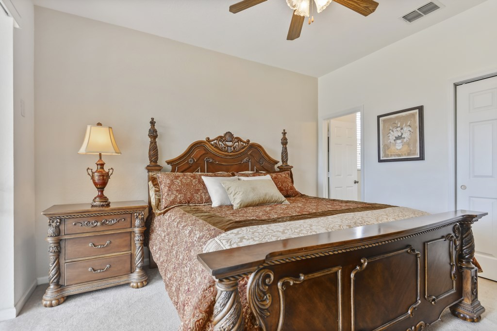 Interior-MasterBedroom-6104428