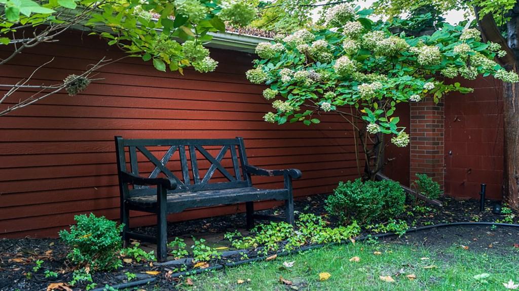 Inviting-bench.jpg