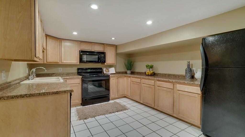 kitchen-lower.jpg