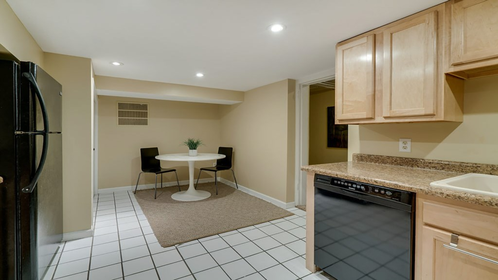 lower-kitchen.jpg