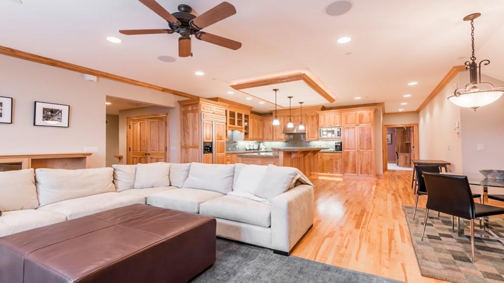 garage-livingroom.jpg