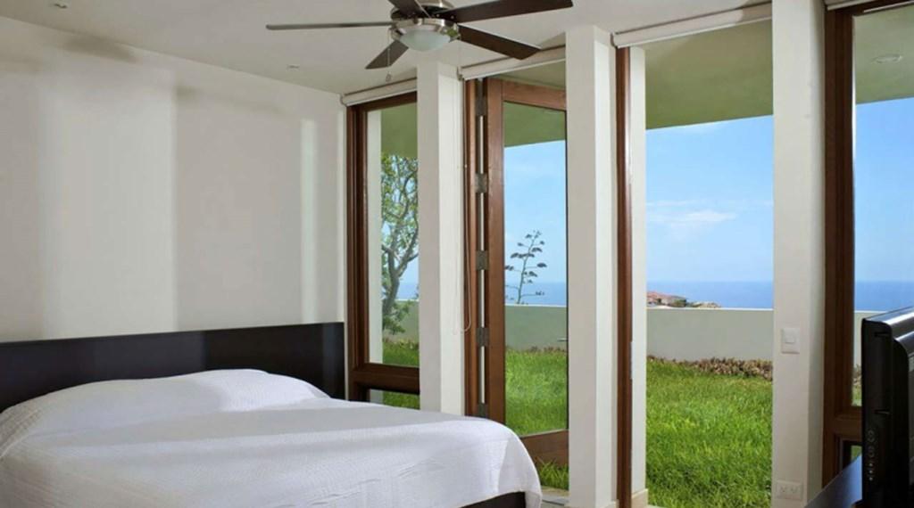 Ventana-Al-Cielo-Bedroom2.jpg
