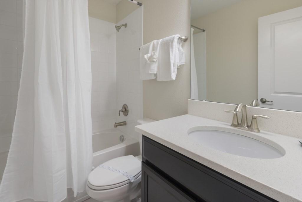 20_Bathroom_0721