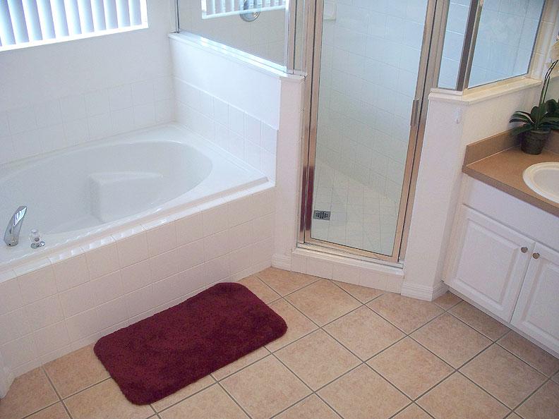 Master 2 EnSuite Bath