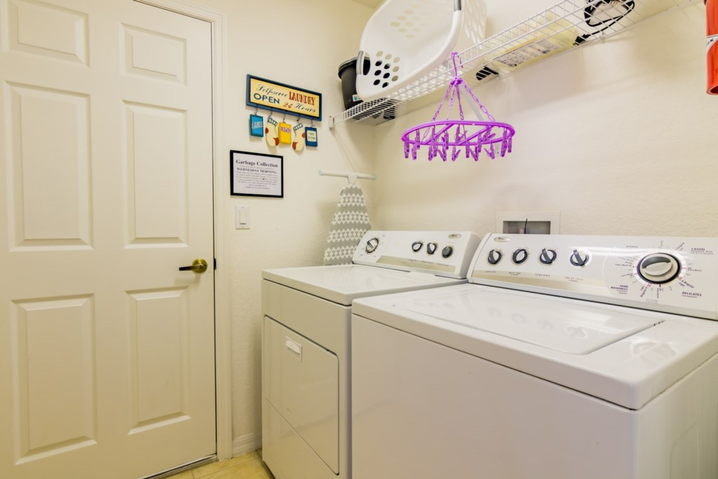 Premier Marbella North Villa - Laundry Room