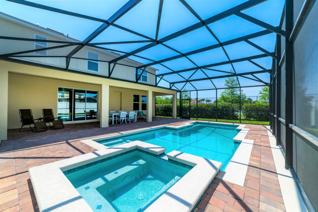 Modern Luxury - 6 Bdm pool/spa/gameroom