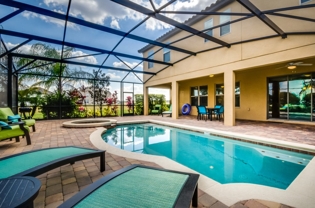 Whimsical 7 Bed Villa with pool/spa at Westhaven