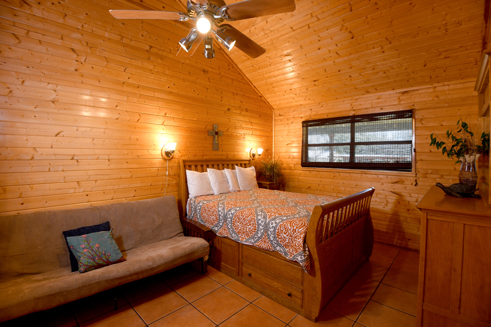 Comfortably Sleeps 6 Guests