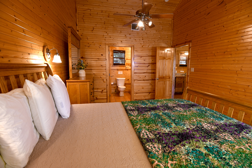 Accommodates 6 Guests Comfortably