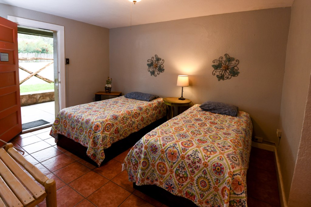 Comfortable Twin Beds - Sleeps 4 Guests