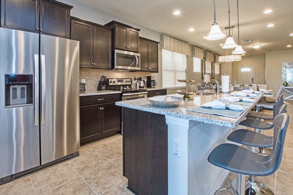 Kitchen w/Granite & Stainless Steel Appliances