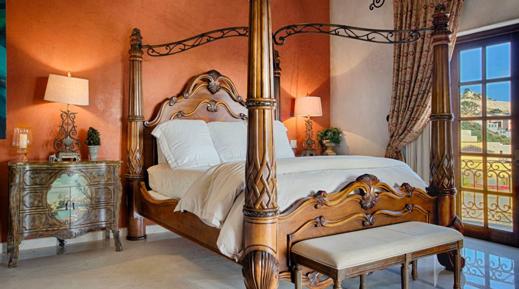 Villa-Maria-Bedroom-3.jpg
