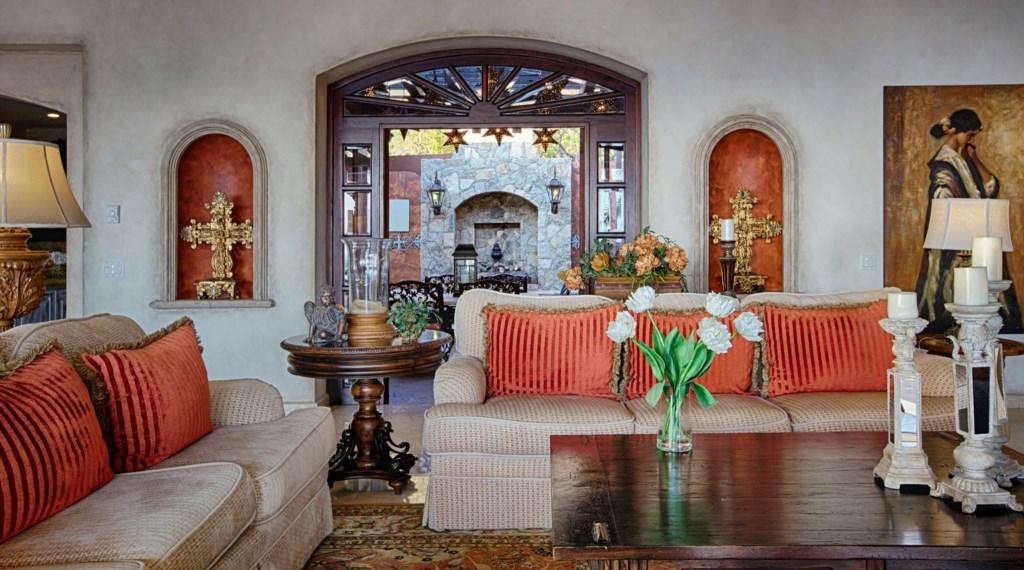 Villa-Maria-LivingRm.jpg