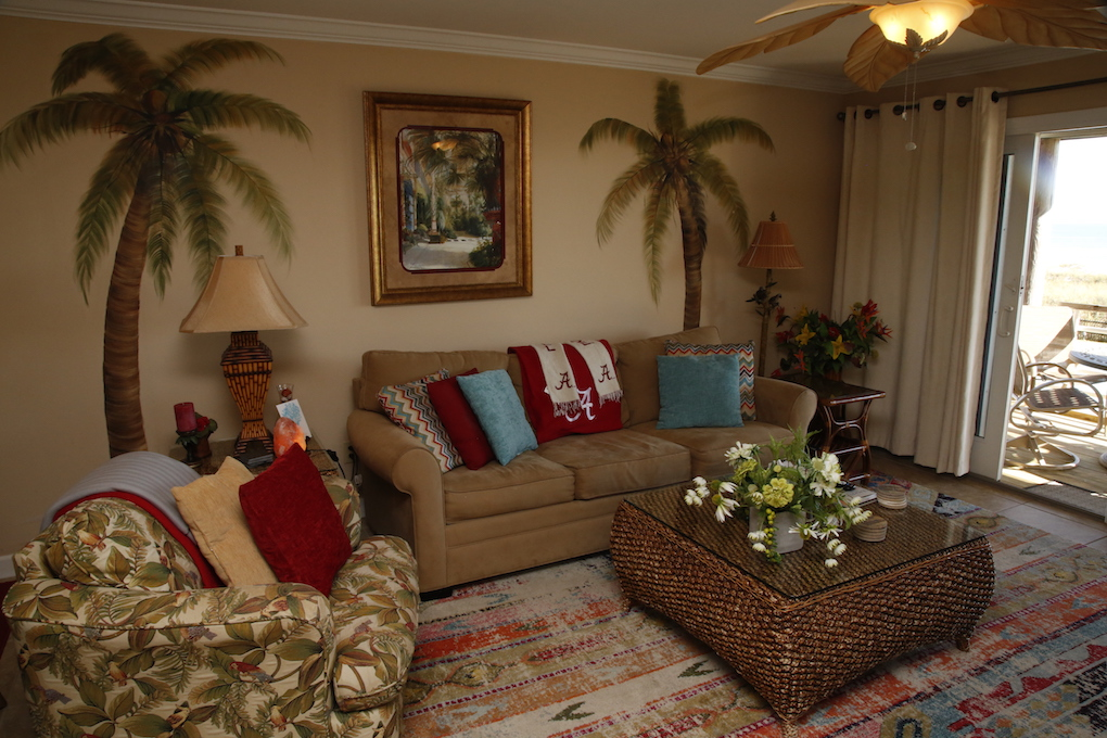 B21 Living Room.JPG