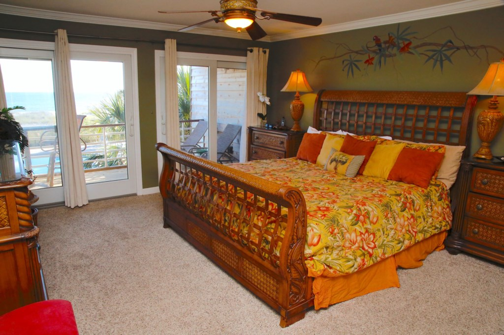 B21 Master bedroom with  Beach View.JPG