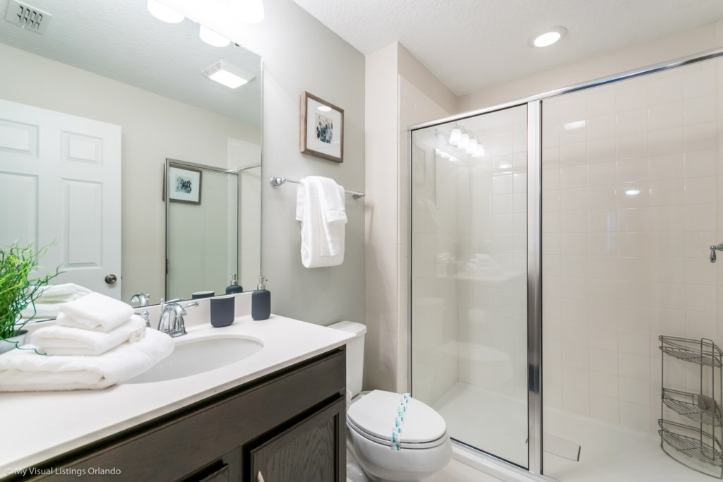 King Bedroom Bath with Stand-up shower
