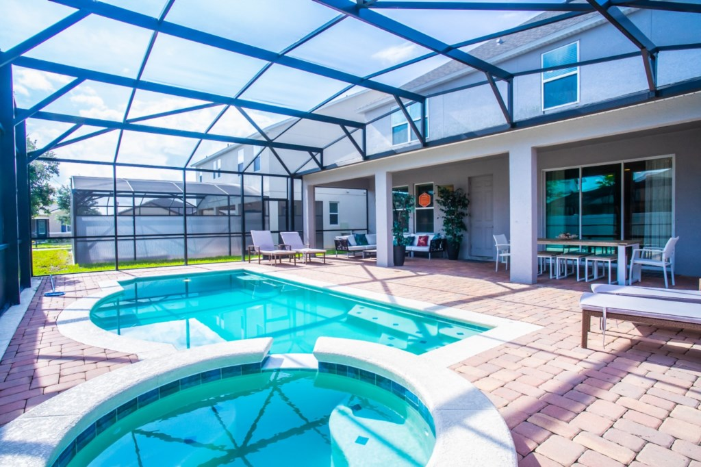 AMAZING home for your summertime in Florida! 1286