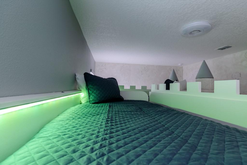 8009 Princess room 2.jpg