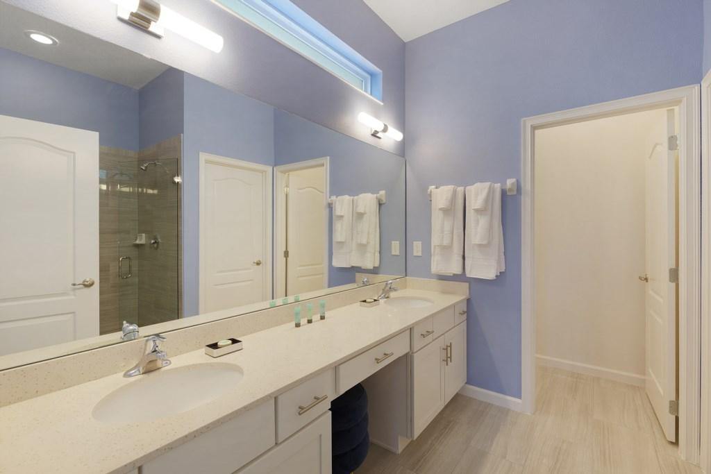 8009 Solterra bath.jpg