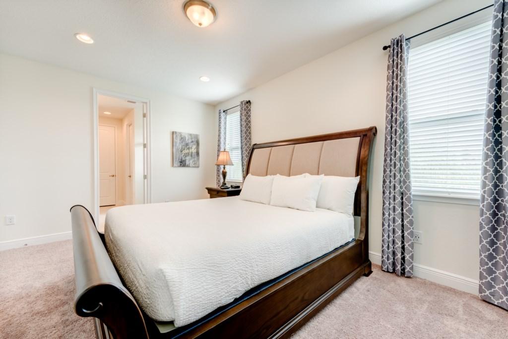 Master Bedroom 1-2-2.jpg